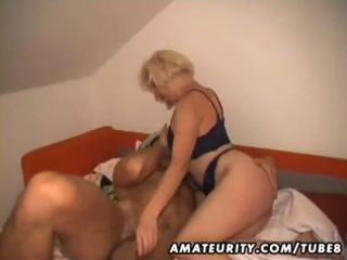 blond amateur wife makes a homemade sex tapes