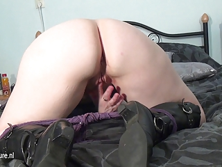 non-professional older mother masturbating