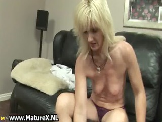 lascivious blond aged mom t live without fucking