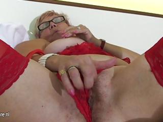 old but still hawt grandma masturbate