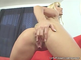 biggest titty cougar getting pussy slammed