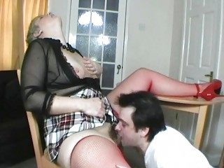 short haired uk milf acquires her pussy eaten out
