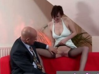 mature in nylons given oral-service