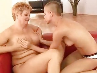 aged lesbian toying her girlfriend