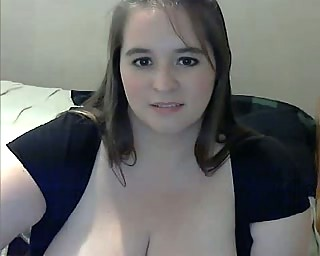 fat milf with big breast masturbating on webcam