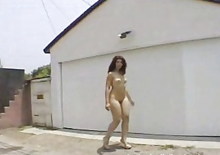 undressed curvy beauty walking--very sexy curvy